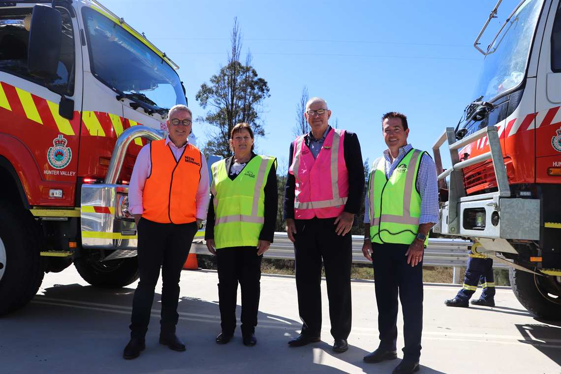 Member for the Hunter, the Hon Joel Fitzgibbon MP, Singleton Mayor Councillor Sue Moore, Cessnock City Mayor Councillor Bob Pynsent and NSW Minister for Regional Transport and Roads, the Hon Paul Toole MP on Paynes Crossing Bridge.