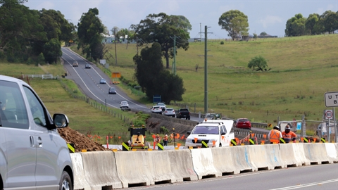 Photo of traffic on Cessnock Road at Testers Hollow